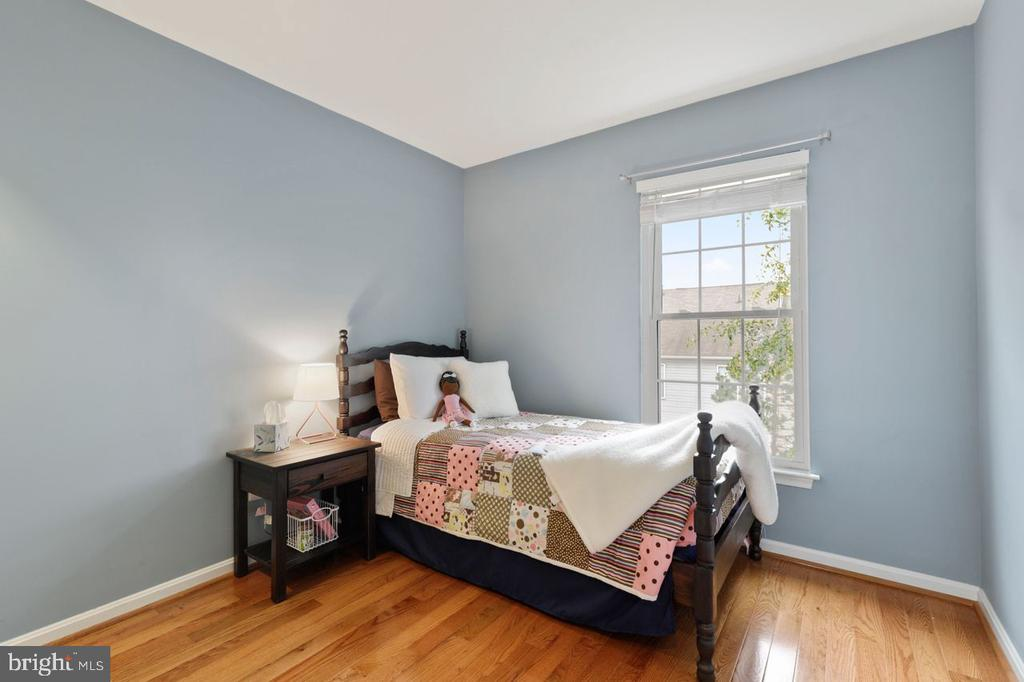 Bedroom 2 - so inviting - 22082 MANNING SQ, STERLING