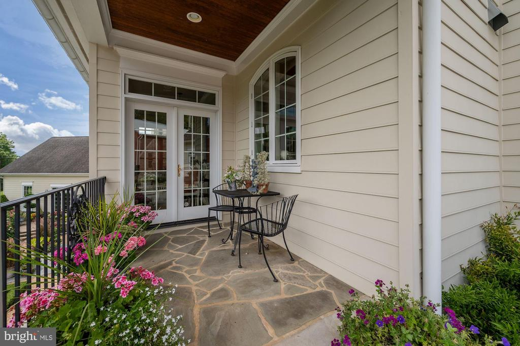 Covered Porch off of Breakfast Room - 7549 FINGERBOARD RD, FREDERICK
