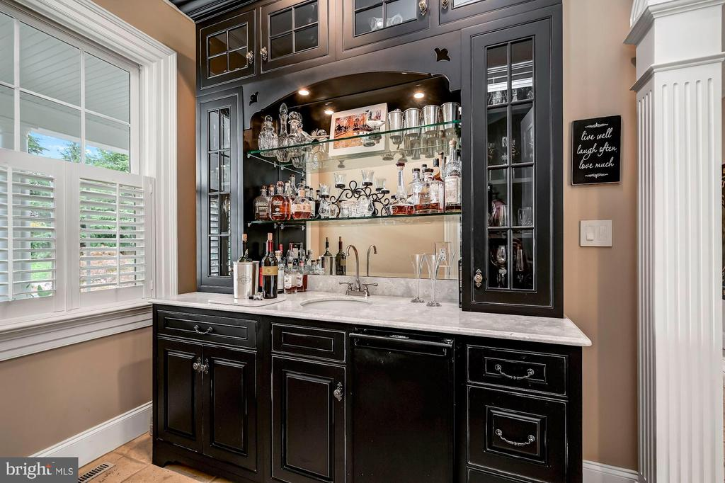 Wet Bar & Rare Fossil Stone Top - 7549 FINGERBOARD RD, FREDERICK