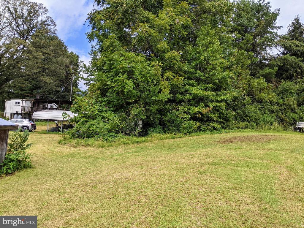 Right side view of yard view 2 - 11291 PINE HILL RD, KING GEORGE