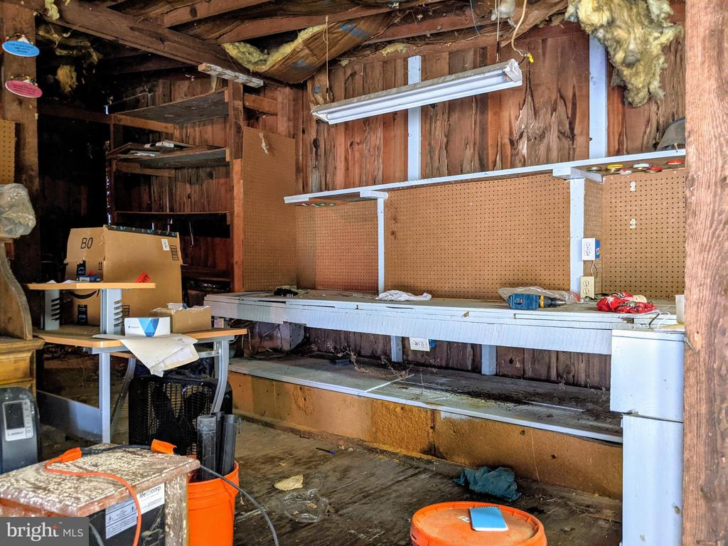 Workbench w/ electric in garage - 11291 PINE HILL RD, KING GEORGE