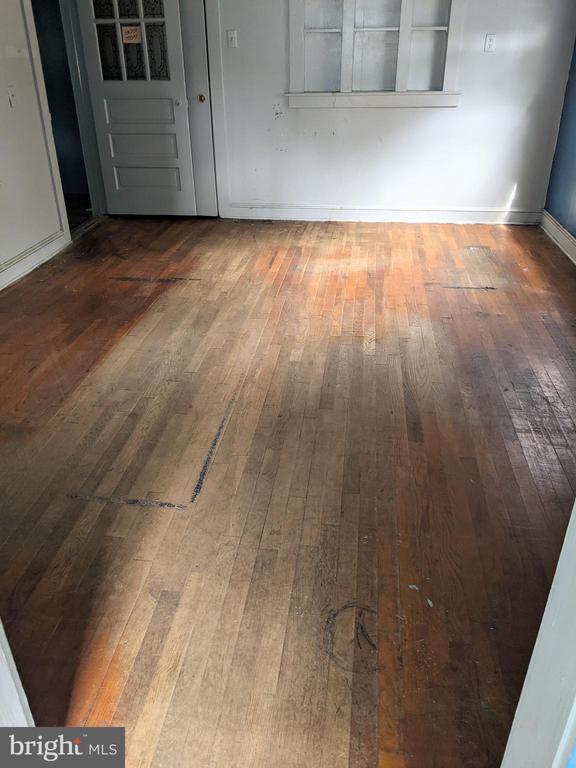 Original hardwood floors - 11291 PINE HILL RD, KING GEORGE