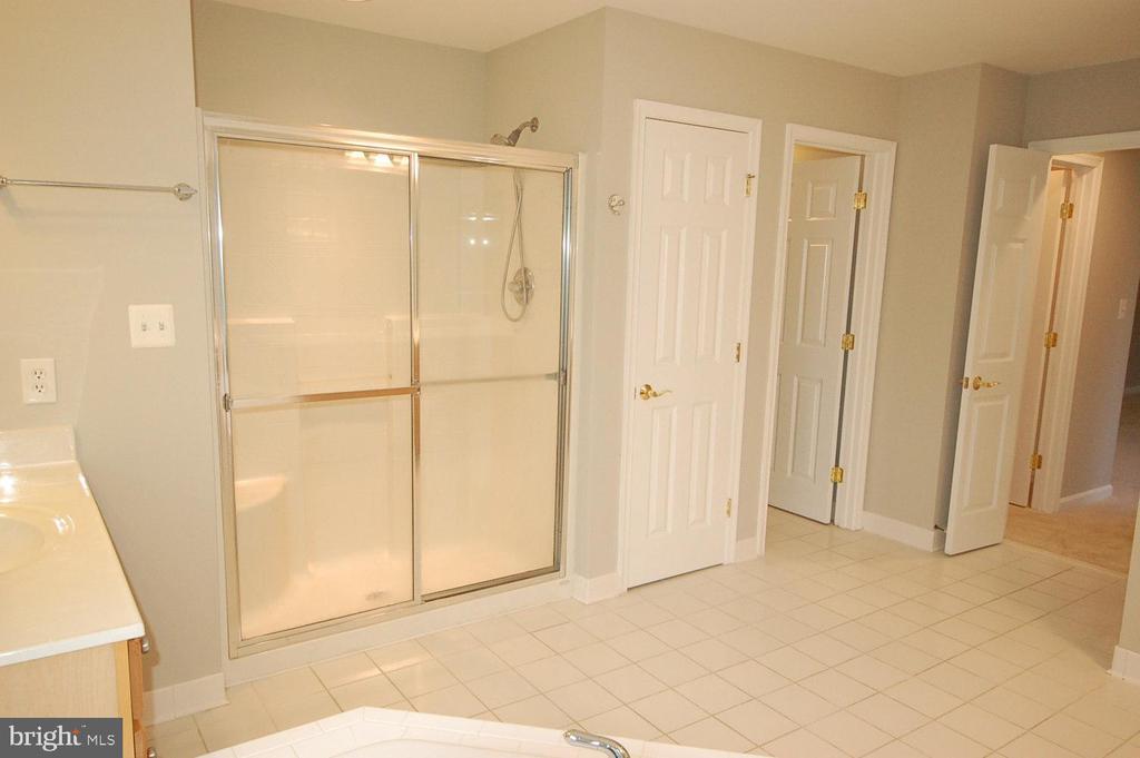 Primary bathroom - 8599 EASTERN MORNING RUN, LAUREL