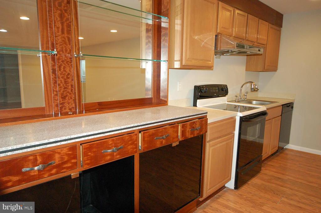 Kitchenette in basement - 8599 EASTERN MORNING RUN, LAUREL