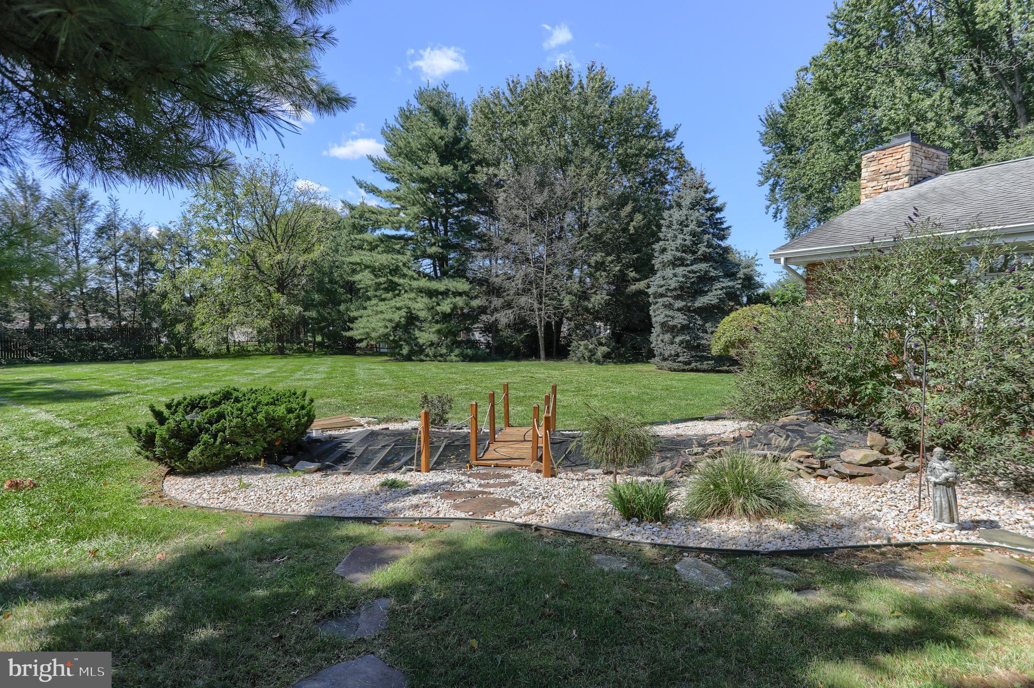 Wonderful back yard with pond!