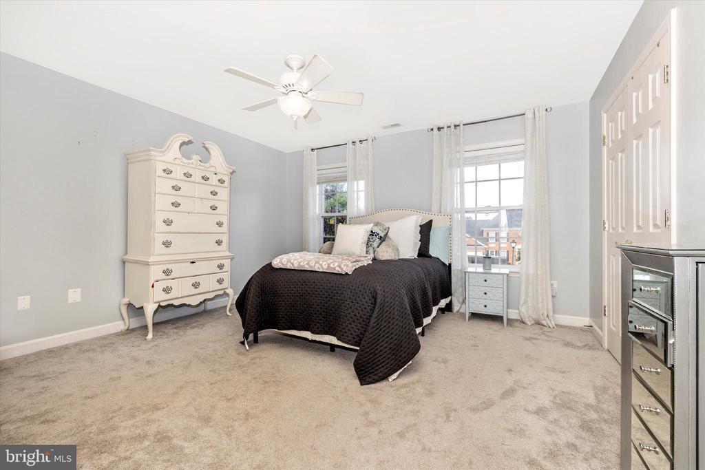 Bedroom 3 - 9803 PEBBLE BEACH CT, IJAMSVILLE