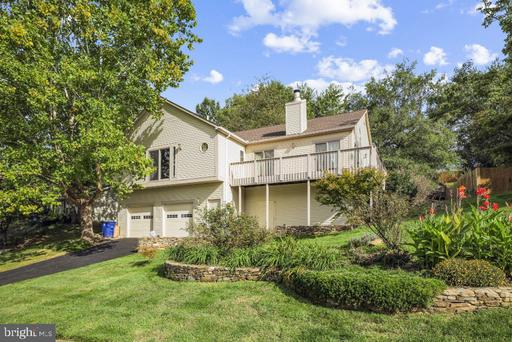 137 GOVERNORS DR SW