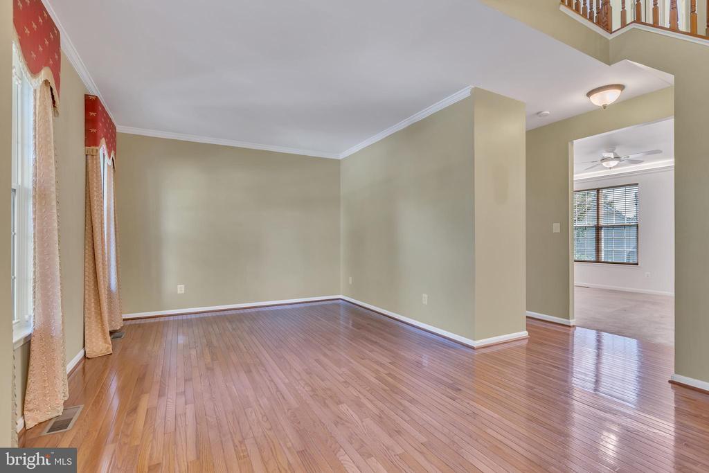 Living Room/Home Office - 104 SHERIDAN WAY SW, LEESBURG