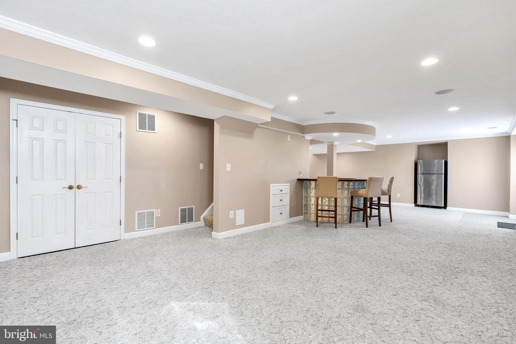 Finished Lower Level with walkout access - 104 SHERIDAN WAY SW, LEESBURG