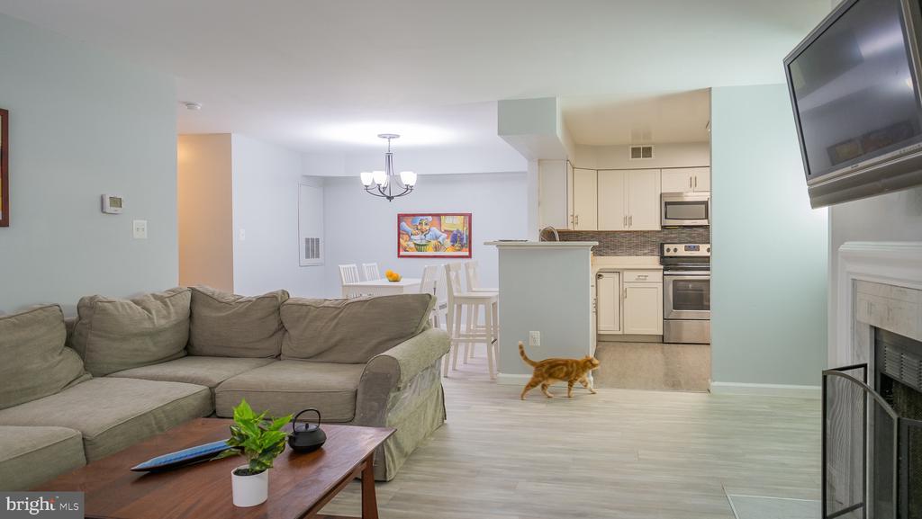 Open floor plan - 11713-D KARBON HILL CT #707A, RESTON