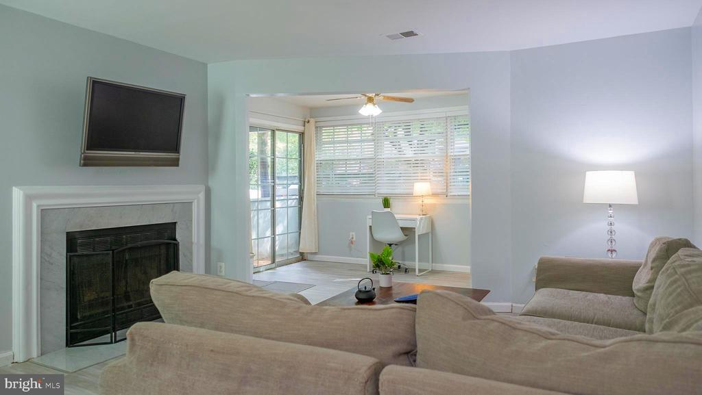 Living area - 11713-D KARBON HILL CT #707A, RESTON