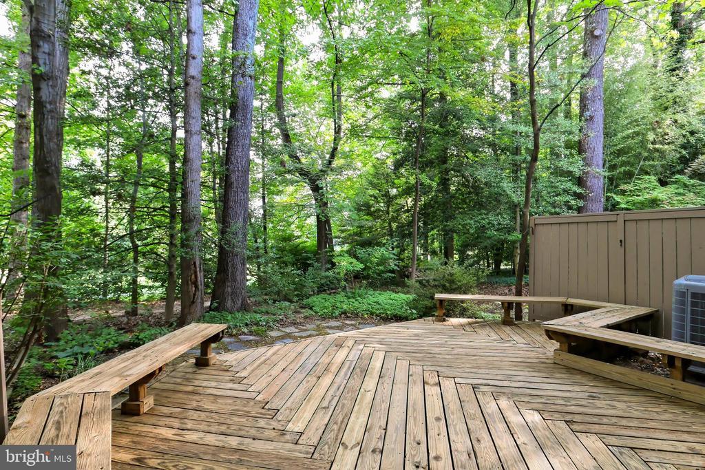 This deck is perfect for entertaining! - 11704 NEWBRIDGE CT, RESTON