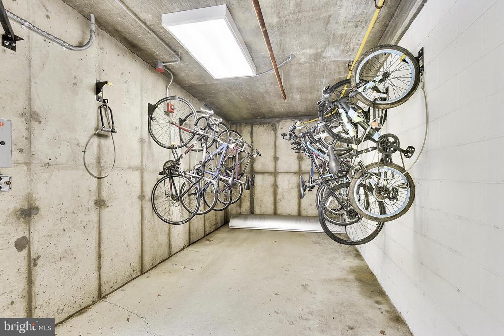 Bicycle storage - 1418 N RHODES ST #B-112, ARLINGTON