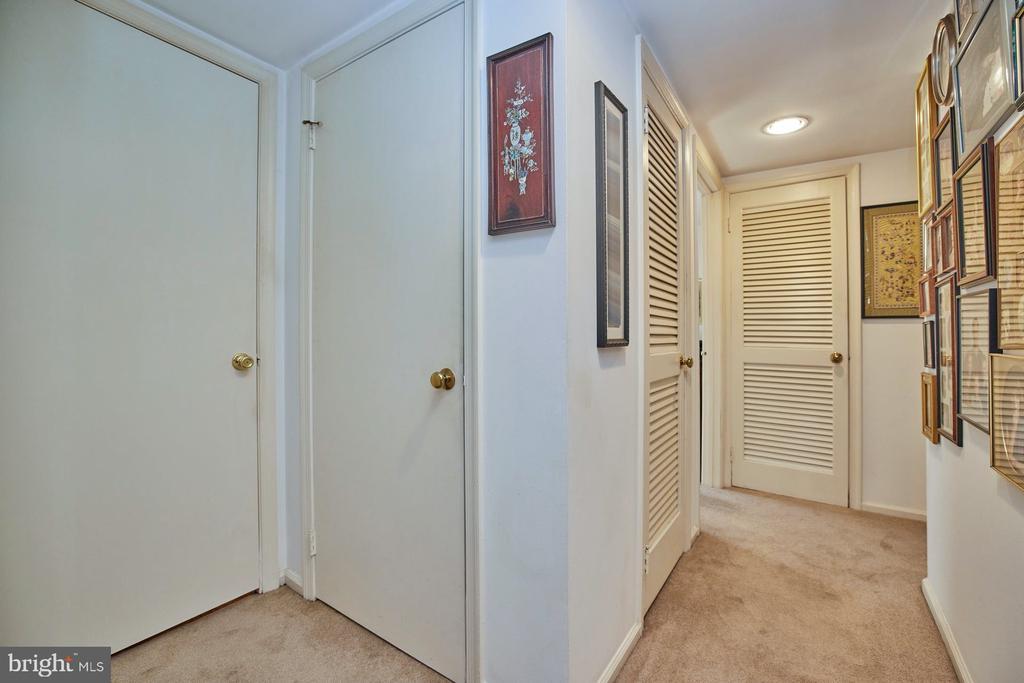 Hallway - 2921-B S WOODLEY ST #1, ARLINGTON