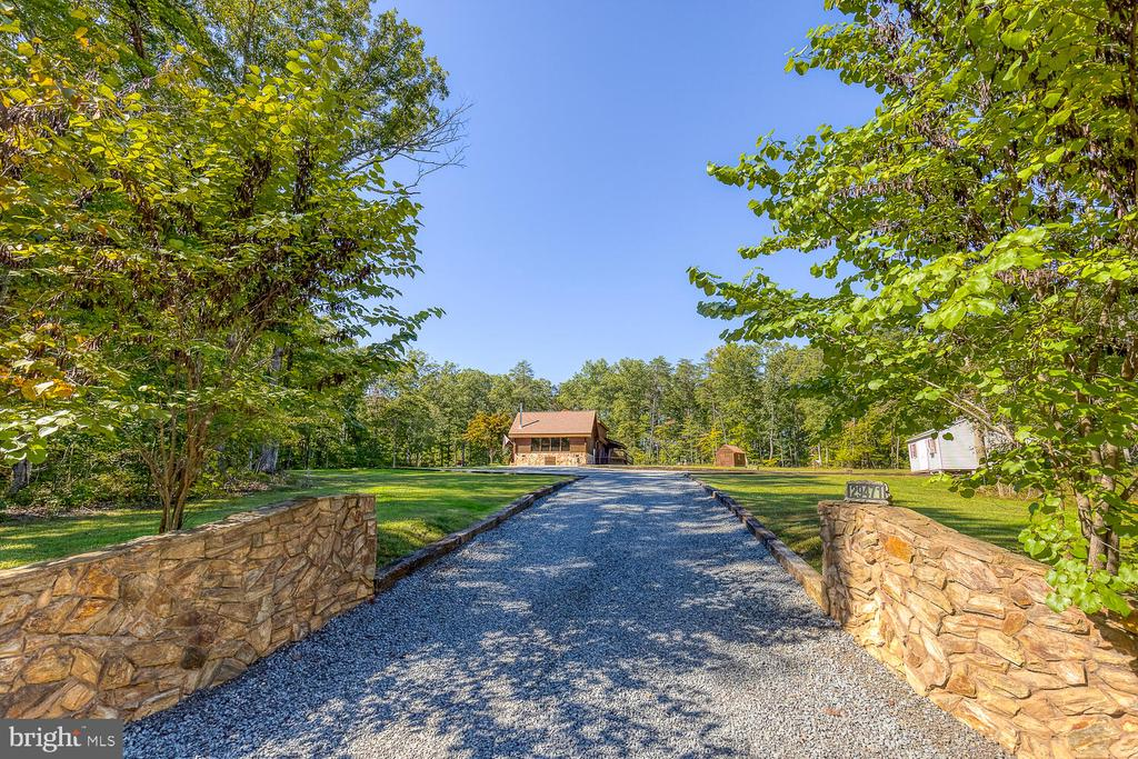 View from end of the driveway - 29471 NEW HAMPSHIRE RD, RHOADESVILLE