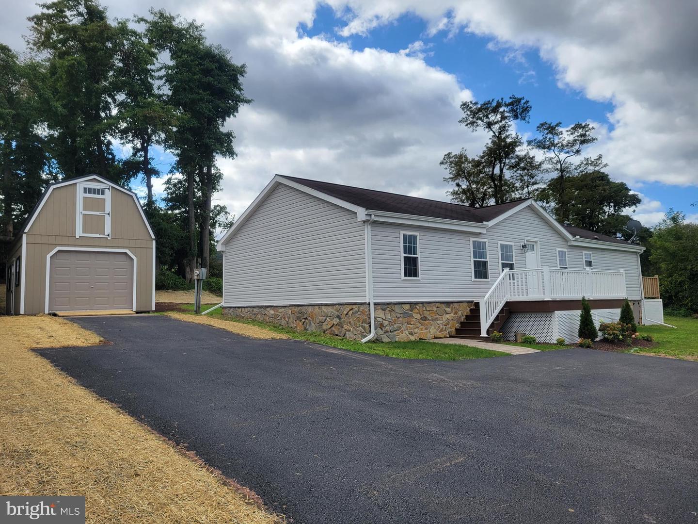 134 Huntz Road , MILLERSBURG, Pennsylvania image 1