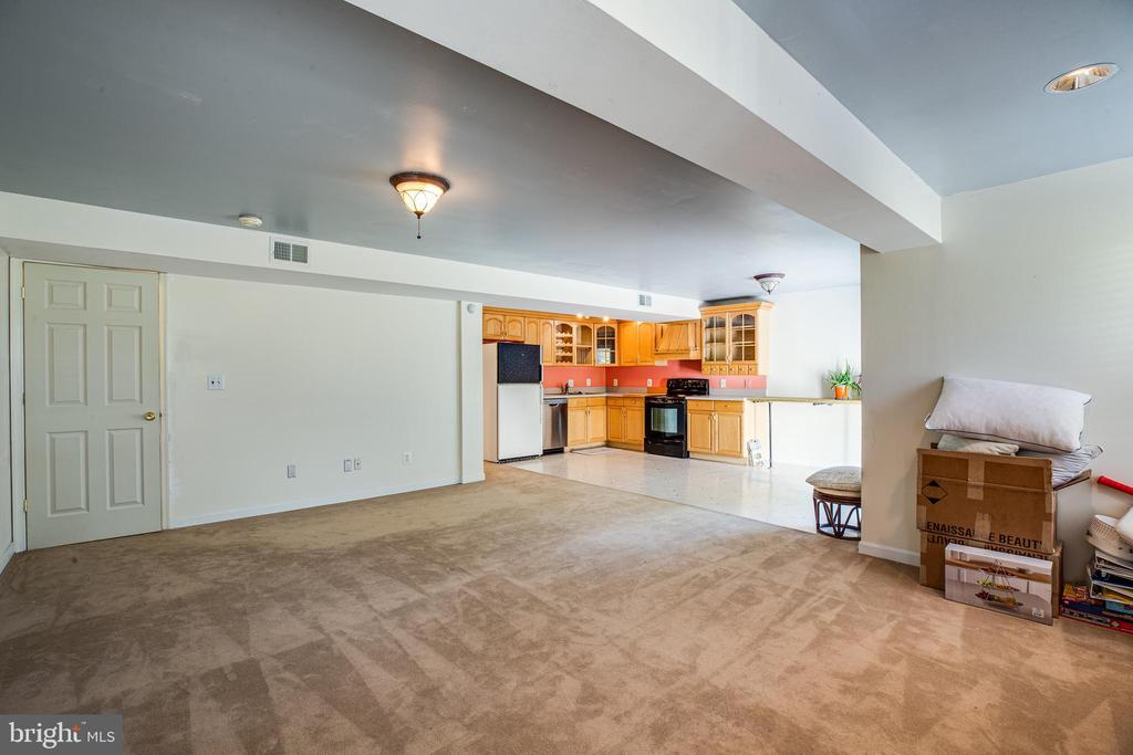 Fully Finished Basement - 8 REMINGTON CT, STAFFORD