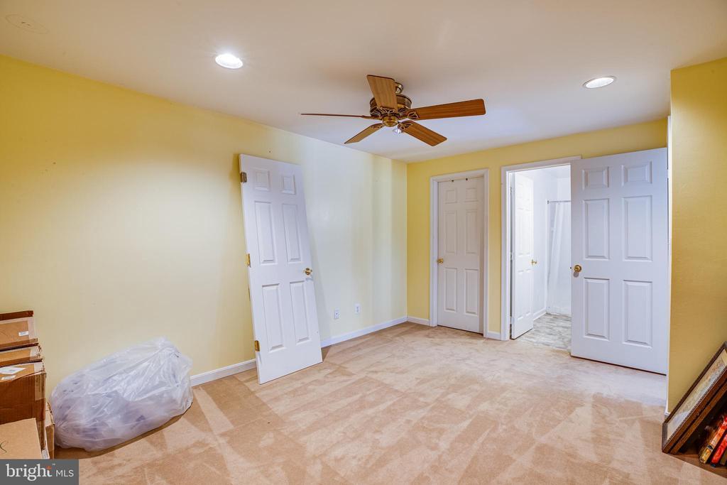 Potential Bedroom NTC - 8 REMINGTON CT, STAFFORD