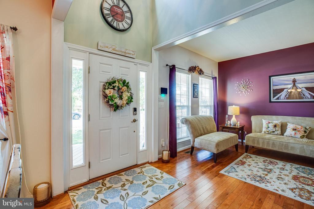 Foyer - 8 REMINGTON CT, STAFFORD