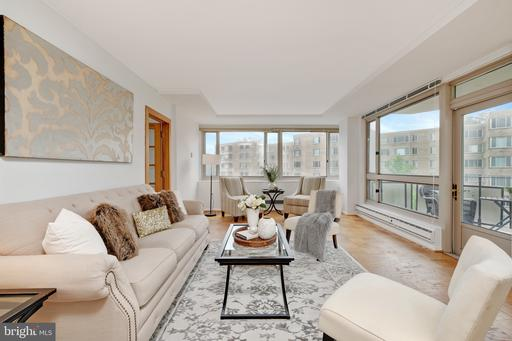 4101 CATHEDRAL AVE NW #1117