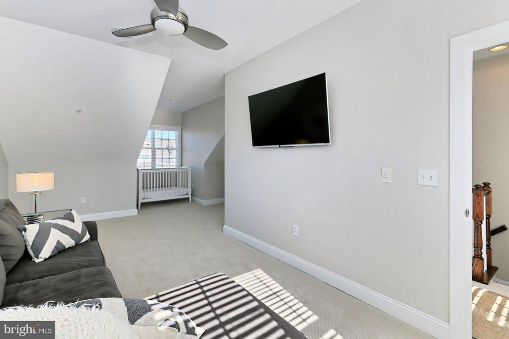 Whether bedroom or recreation.. you choose ! - 4348 4TH N, ARLINGTON