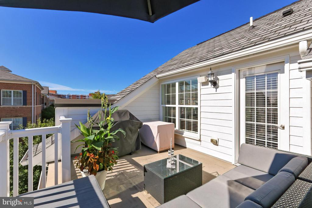 Move in perfect ! Not a thing to do but enjoy ! - 4348 4TH N, ARLINGTON