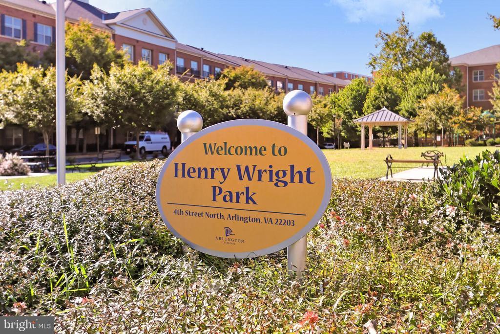 This sweet park is steps away ! - 4348 4TH N, ARLINGTON
