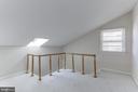 Light and bright loft area - 4113 11TH PL N, ARLINGTON
