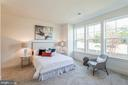 Large entry level bedroom with bathroom - 1634 SANDPIPER BAY LOOP, DUMFRIES