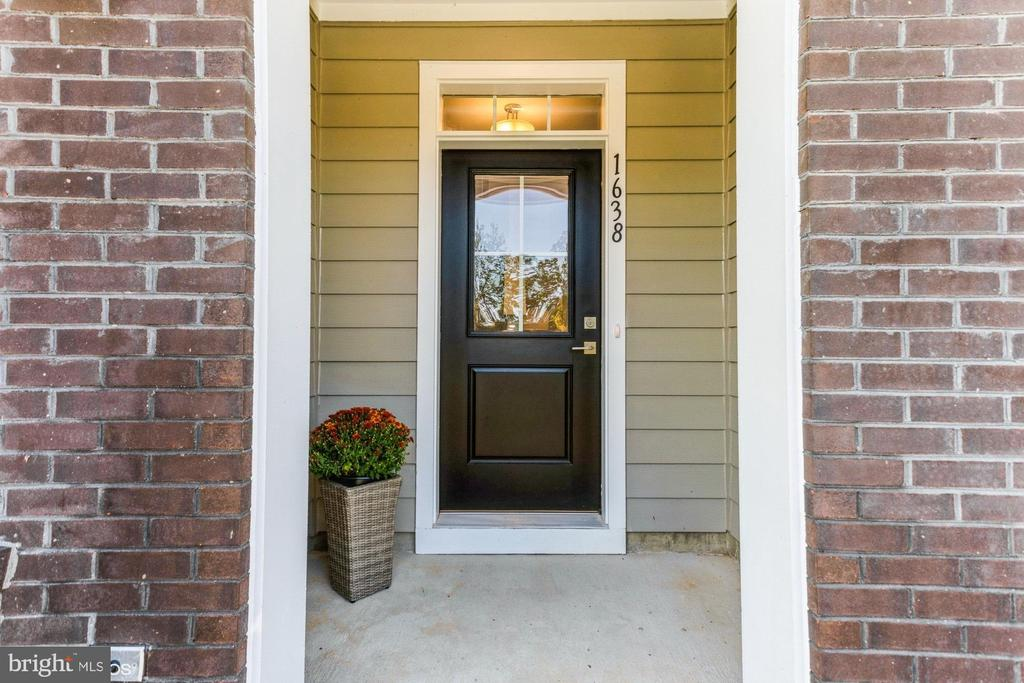 Canopy entrance into foyer - 1638 SANDPIPER BAY LOOP, DUMFRIES