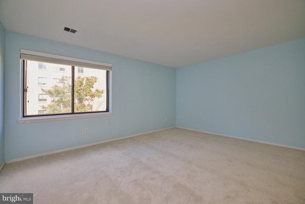 Primary Bedroom - 10300 BUSHMAN DR #204, OAKTON