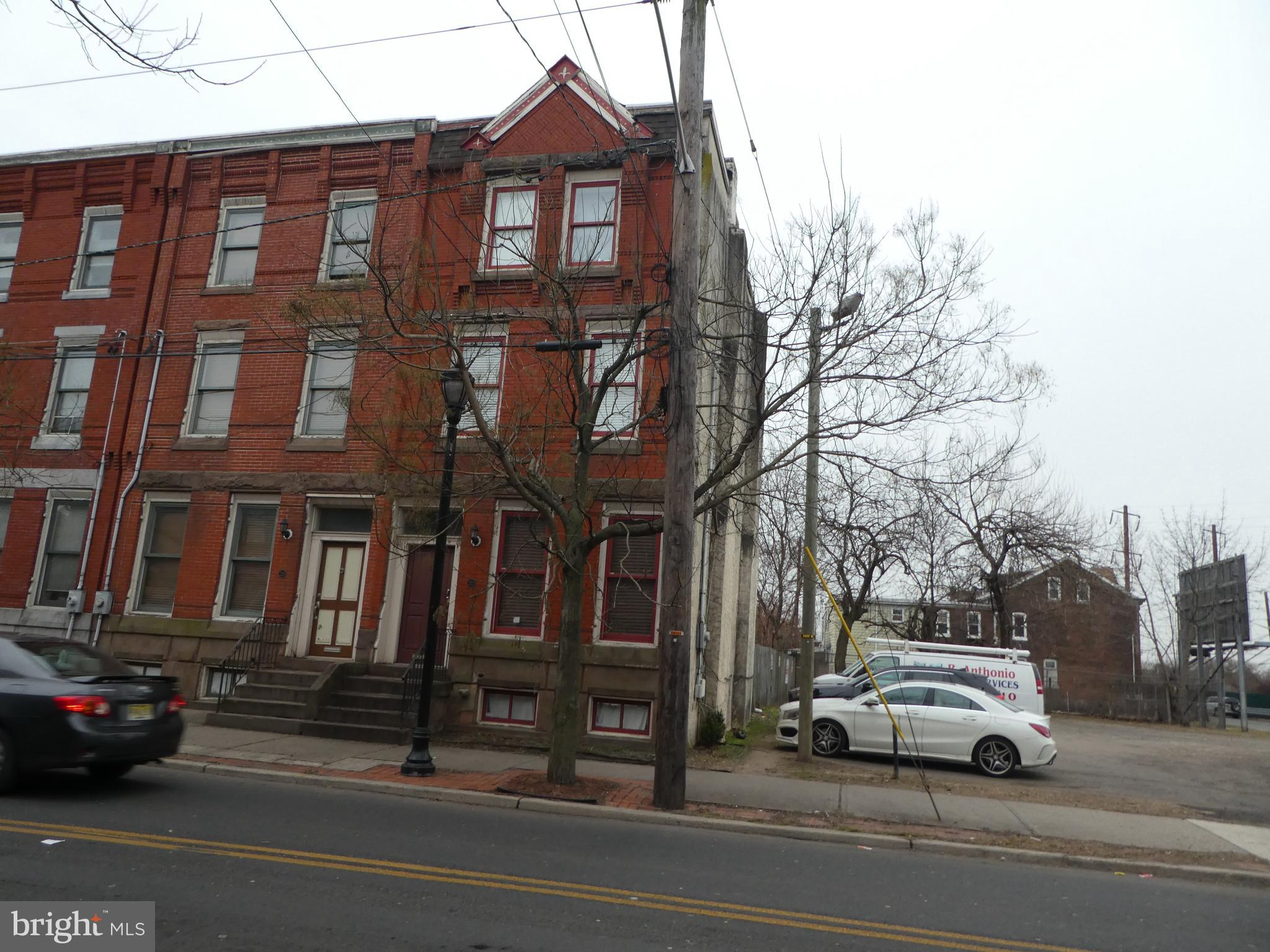 211 S CLINTON AVENUE, TRENTON, NJ 08609