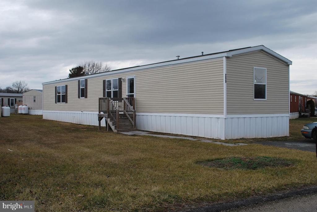 299 Chesapeake Estates, Thomasville, PA 17364