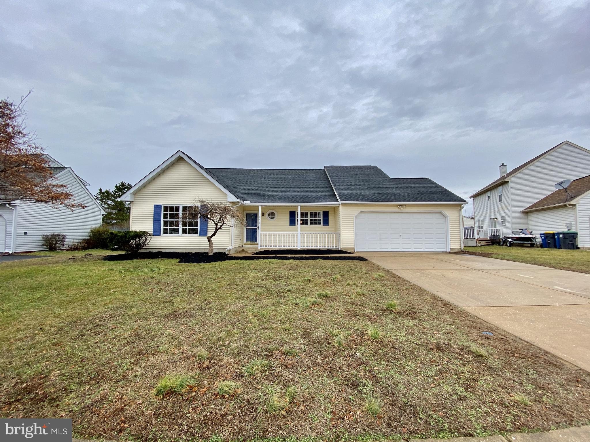 736 STAGHORN DRIVE, NEW CASTLE, DE 19720