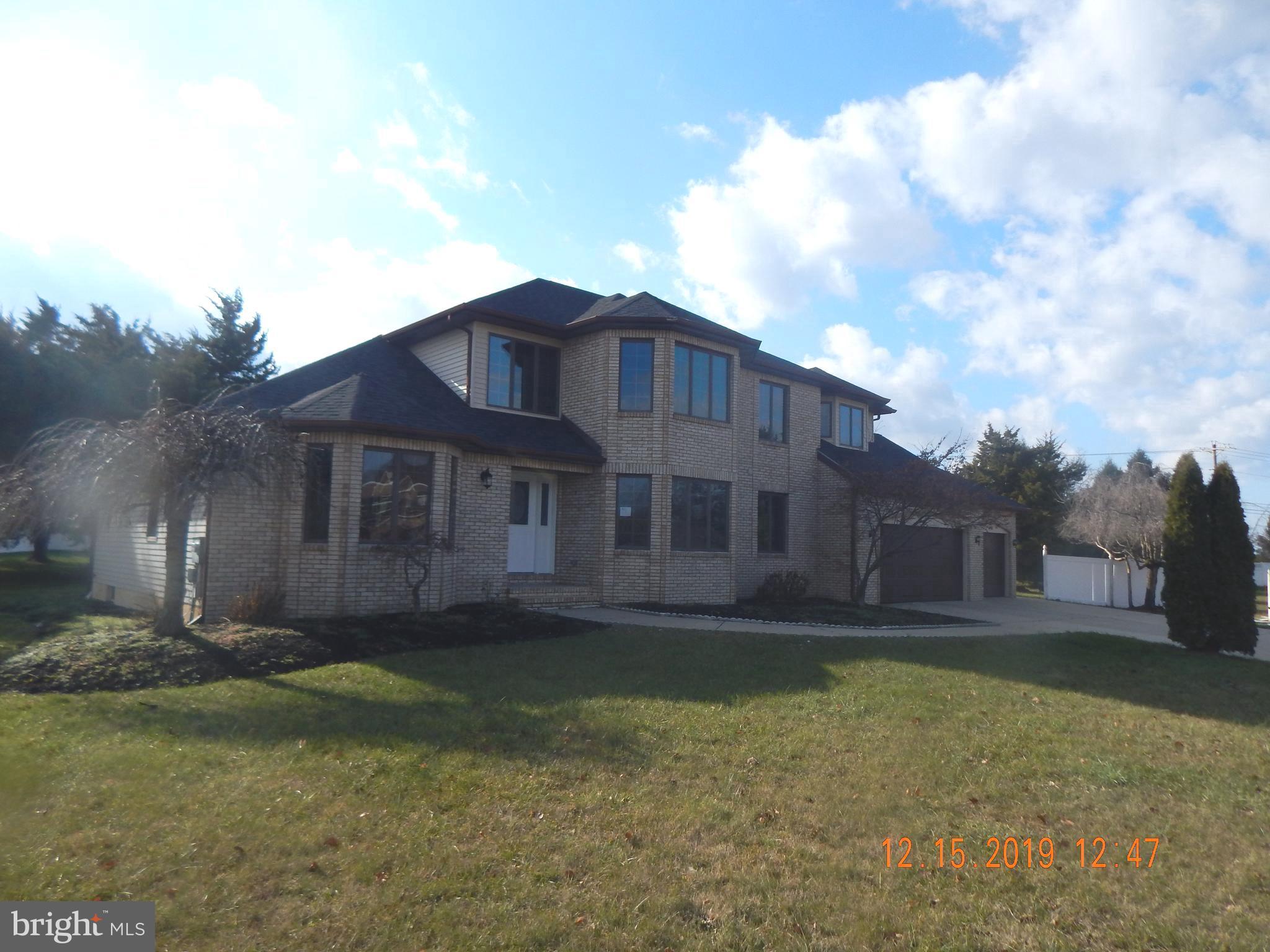 15 Hickory Ln W, Pilesgrove, NJ 08098