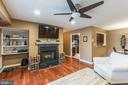 7632 Willow Point Dr