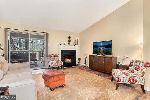 1503 Lincoln Way #301, McLean 22102