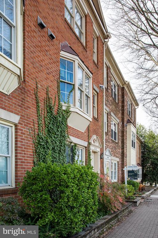 4112  WASHINGTON BOULEVARD, Arlington, Virginia