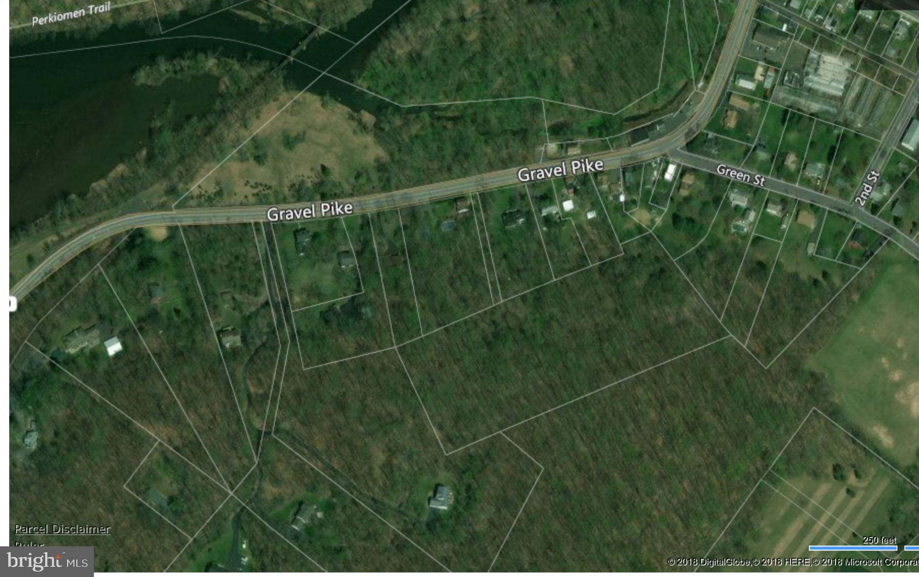 157 PERKIOMEN AVENUE, GREEN LANE, PA 18054