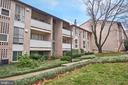5618 Bloomfield Dr #2