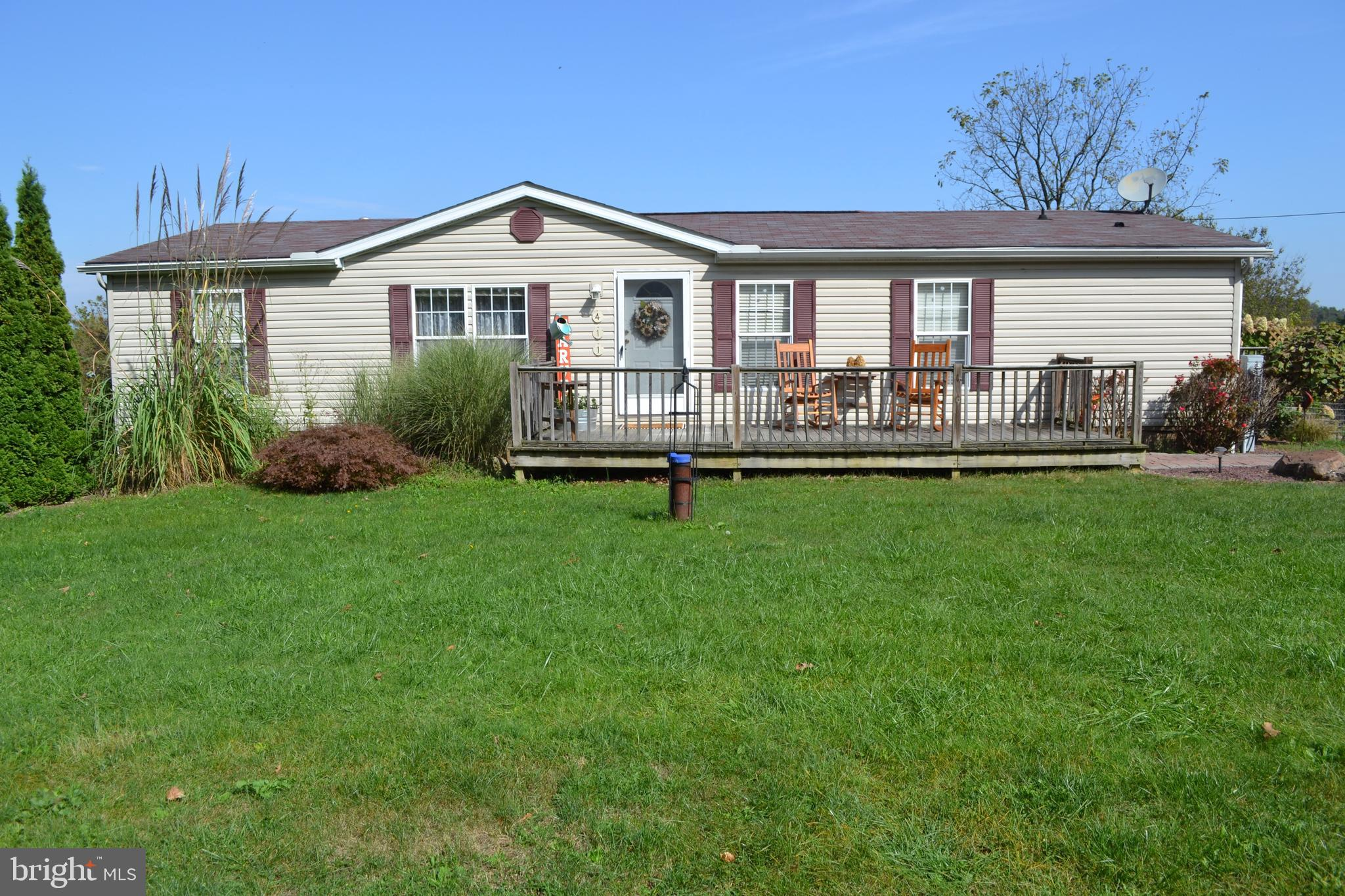 411 HILL RD, ROBESONIA, PA 19551