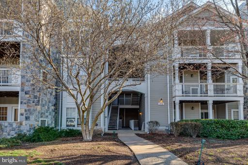 1712 Lake Shore Crest Dr #25, Reston, VA 20190