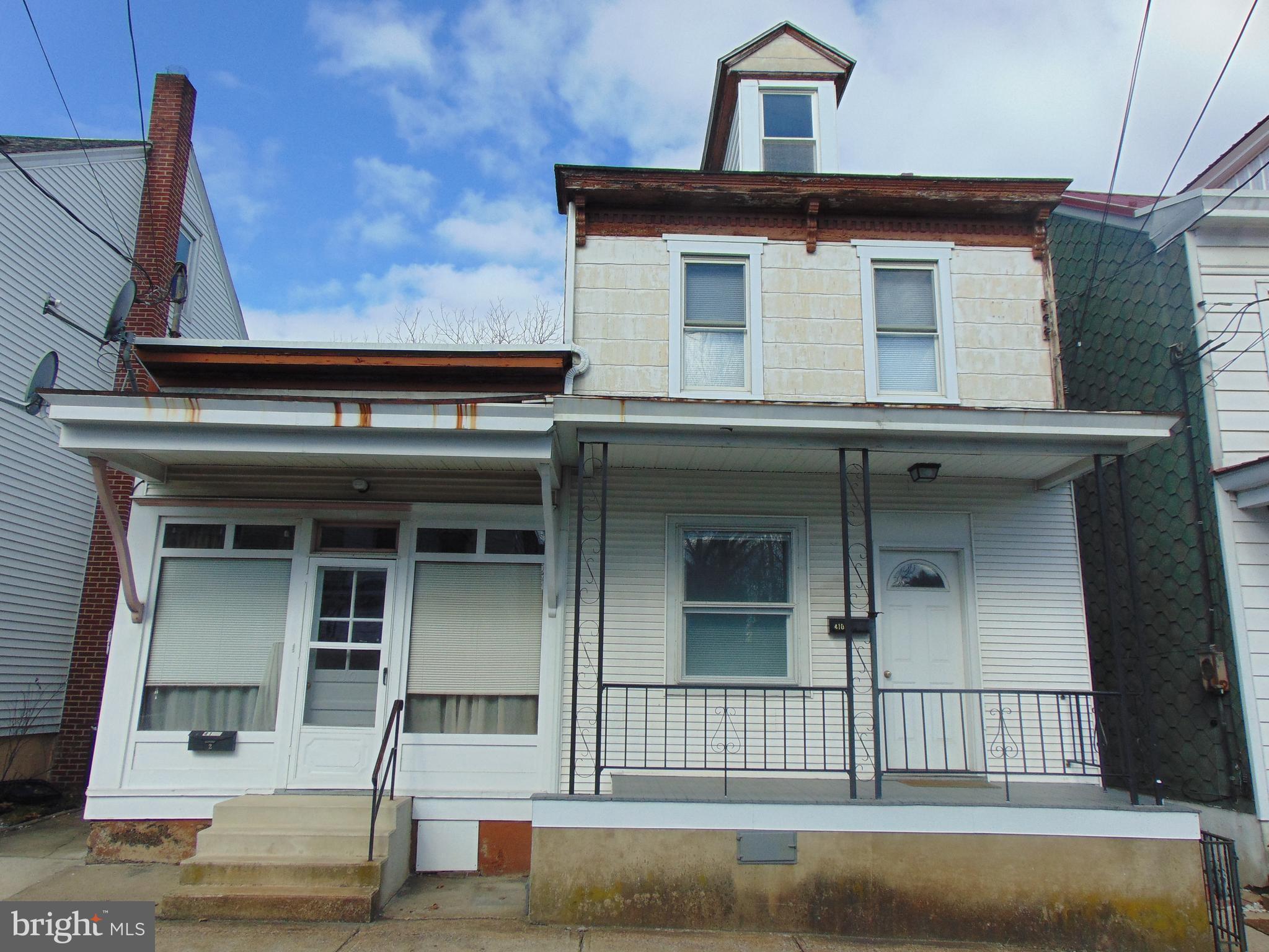 410 PINE HILL ST., MINERSVILLE, PA 17954