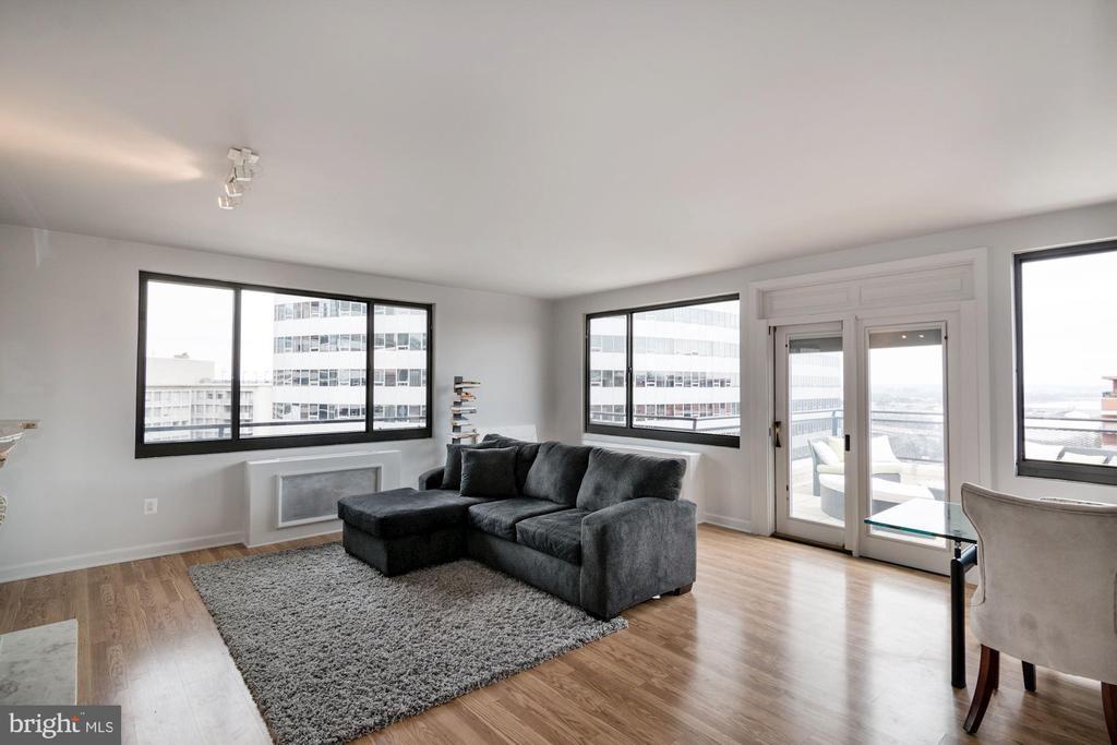 Arlington Homes for Sale -  City View,  1121  ARLINGTON BLVD   1006