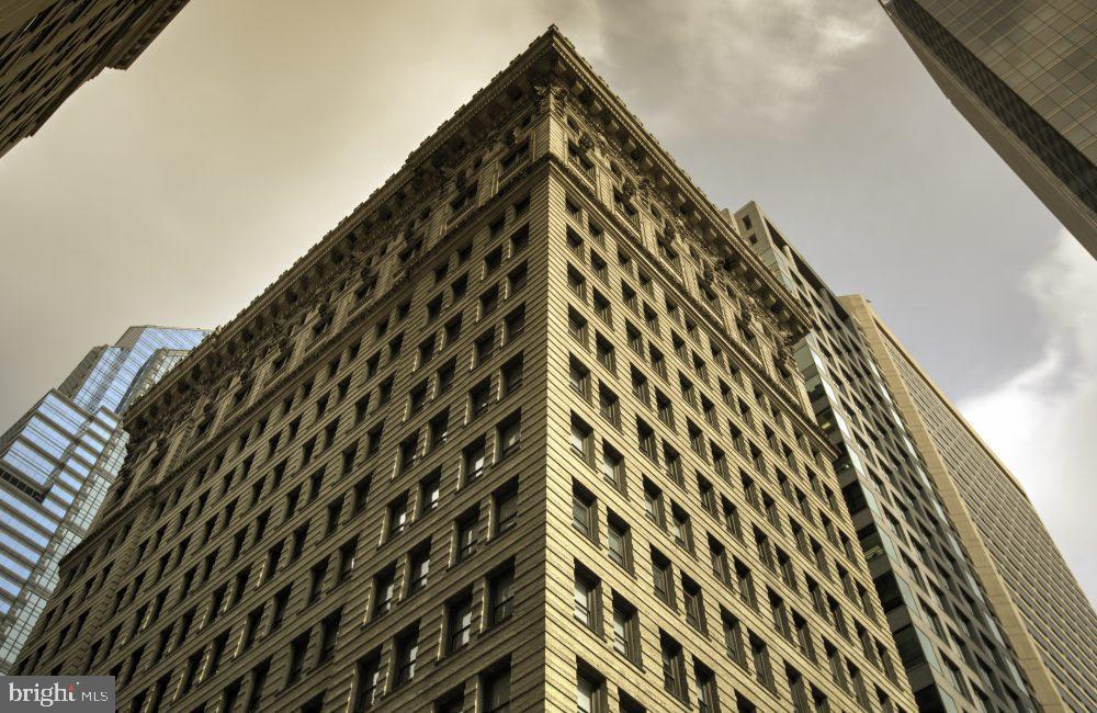42 S 15th Street UNIT FLAT Philadelphia, PA 19102