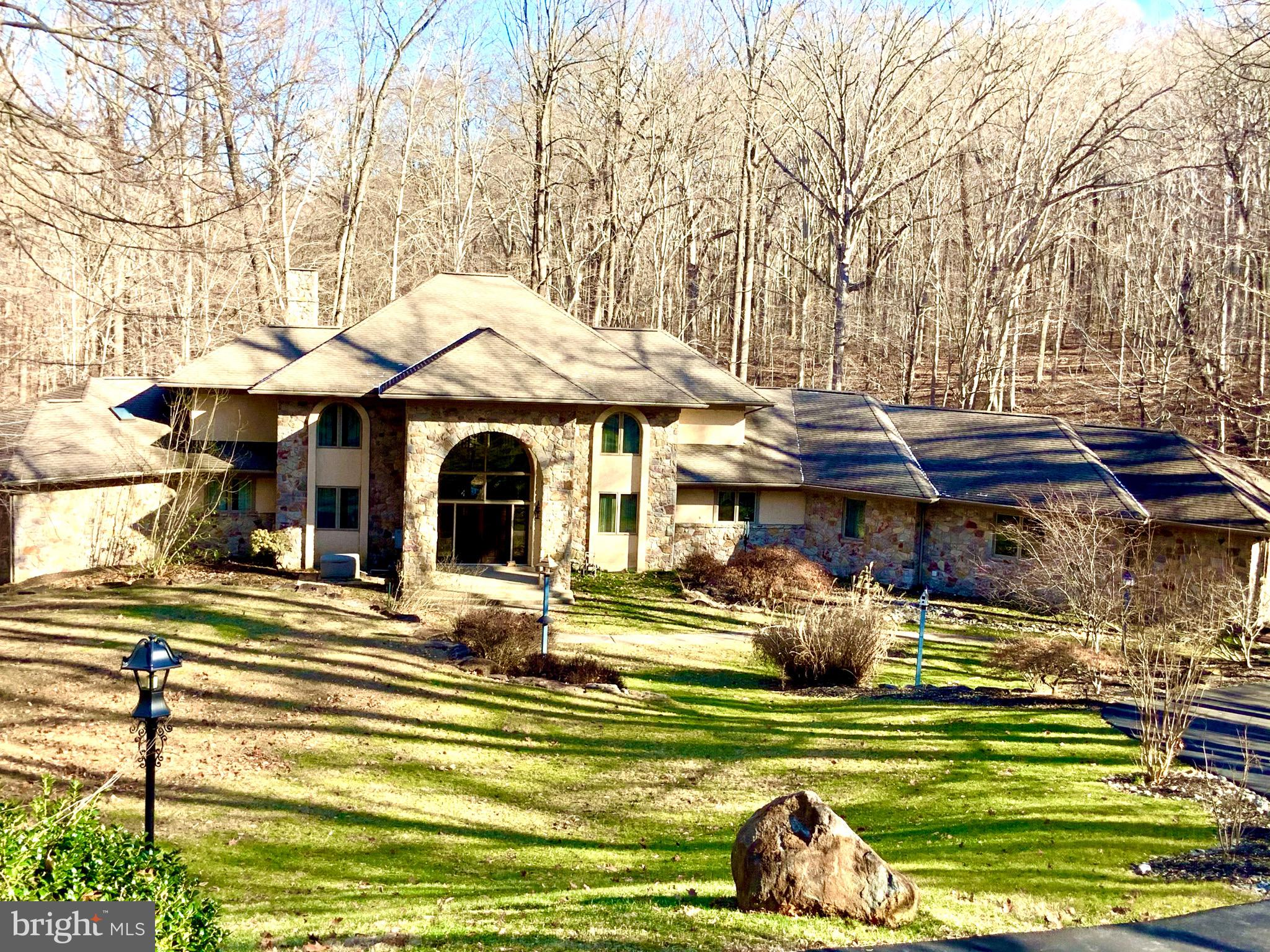 14 COSSART MANOR ROAD, CHADDS FORD, PA 19317