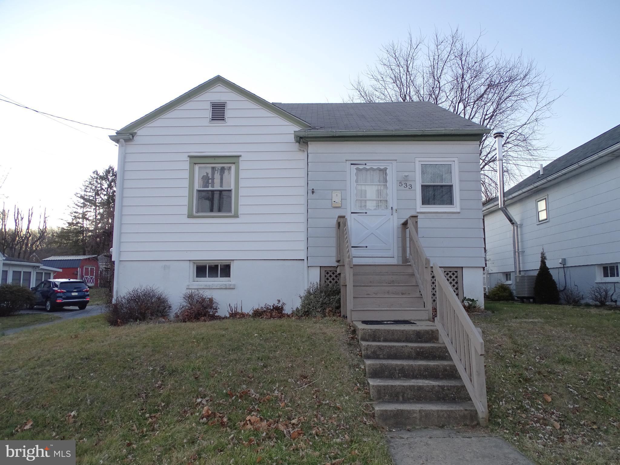 533 CHERRY STREET, BALLY, PA 19503