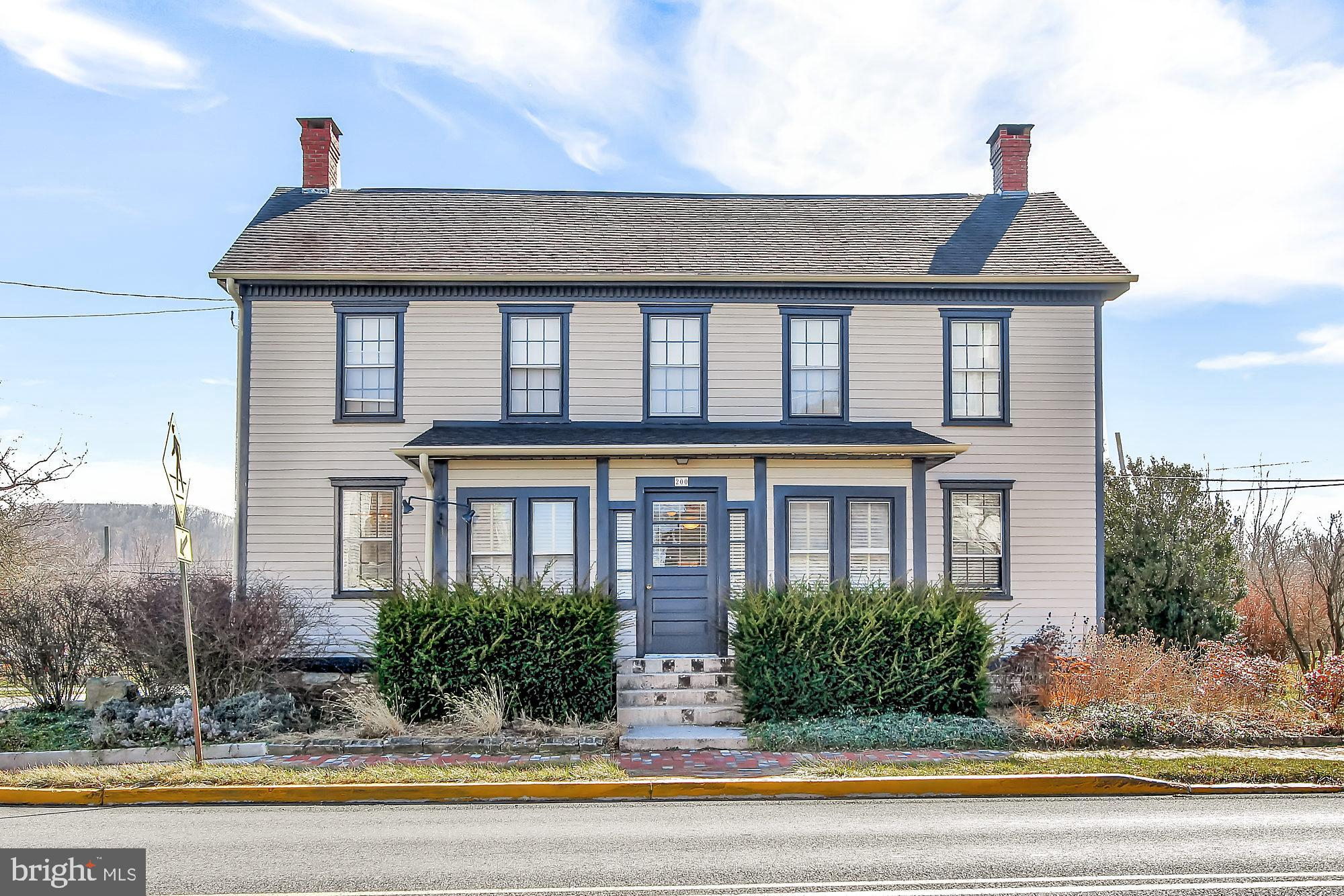 200 W MAIN STREET, FAIRFIELD, PA 17320