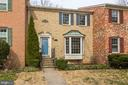 7402 Forest Hunt Ct