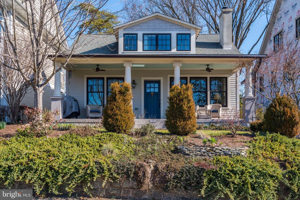 JUST LISTED!  POTOMAC AVE JEWEL-BOX! Enchanting & renovated bungalow in DREAM LOCATION on coveted Potomac Ave w/ unrivaled panoramic parkland & river vistas from large front porch! Open and airy main level has 9' ceilings w/ open Living/Dining rms, Study/Den, large renovated Kit w/ butler's pantry, screened porch overlooking large backyard. Large master w/ en suite bath & walk-in closet 2 additional BRs & hall bath upstairs. Walkable to shops & restaurants on MacArthur Blvd!